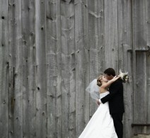couple_barn